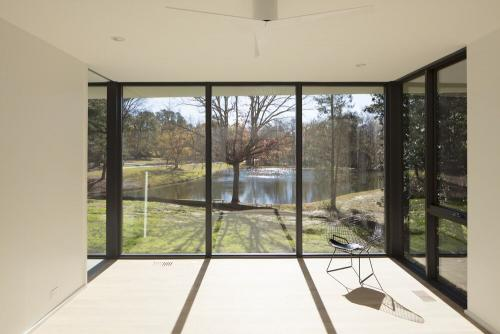 The Project A Modern Design Of Residence In Durham North Carolina Used JeldWen Metal Clad Wood Siteline Windows And Doors